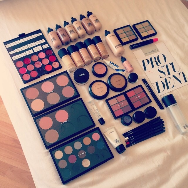 Mac Pro Student Kit Makeup School Diploma In Durham Toronto Canadian Beauty College